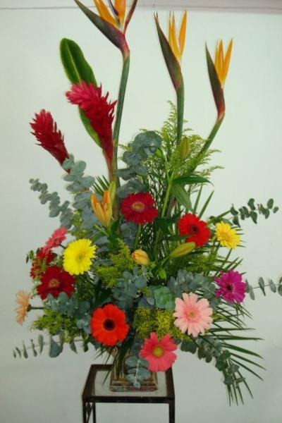 Pin images of arreglos de mesa para xv cebra and post - Arreglos florales naturales ...